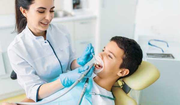 درمان عفونت دندان در کودکان درمان عفونت دندان کودکان آبسه لثه در کودکان آبسه لثه دندان شیری درمان عفونت لثه کودکان خطرات آبسه دندان کودکان عفونت لثه کودک درمان عفونت لثه در کودکان