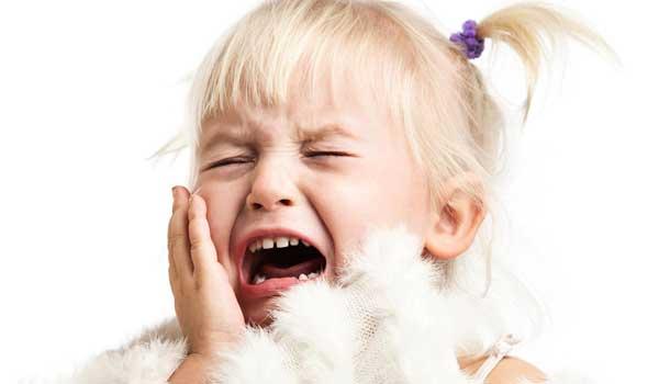 آبسه لثه کودکان عفونت چرکی لثه درمان ابسه دندان کودکان در خانه درمان عفونت لثه کودکان