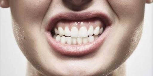 ارتباط کم خونی و دندان قروچه