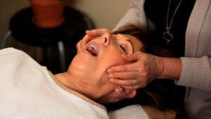 درمان خانگی انحراف فک
